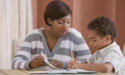 Apesar da proibição, cerca de 7,5 mil famílias aderem ao ensino domiciliar