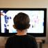 Crianças precisam de rotina de atividades físicas para evitar excesso de TV e smartphone